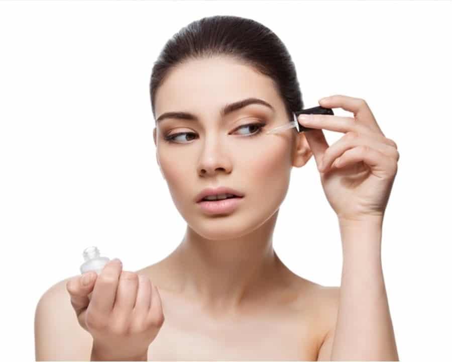pravilno nanosenje seruma za lice